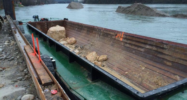 split hopper barge with hardox hopper for rent Baars