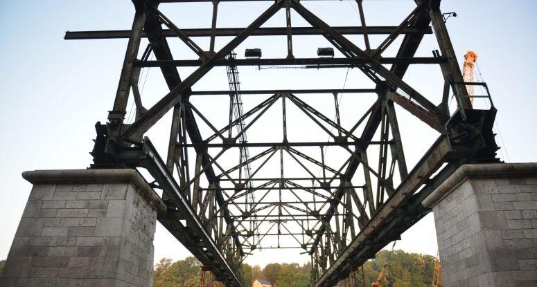 New bridge rent a jack-up Baars