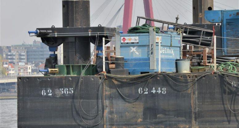 Jacking system barge Baars