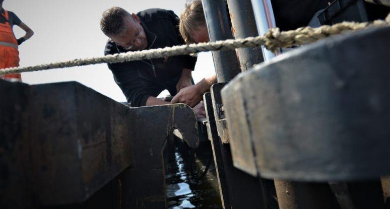 hydraulic coupling system modular pontoon Baars