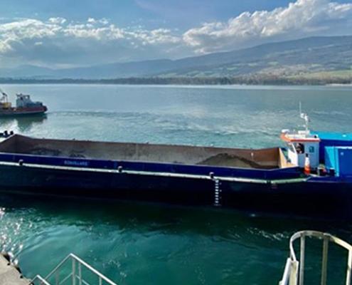 Split hopper barge self propelled Baars