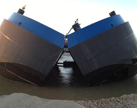 splithopper barge opened Baars