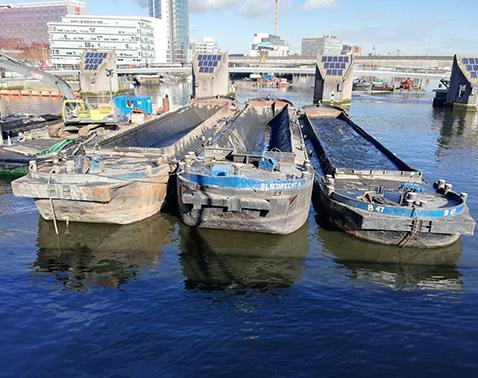 hopper barges Baars