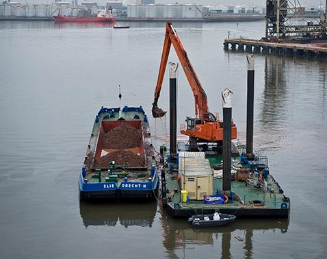 split hopper barge 450 m3