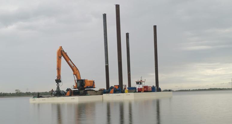 Modular crane pontoon