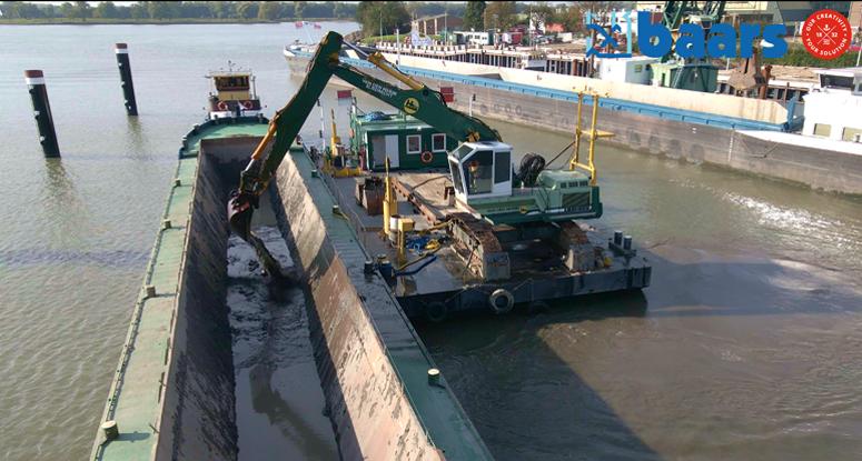 Hopper barge Baars