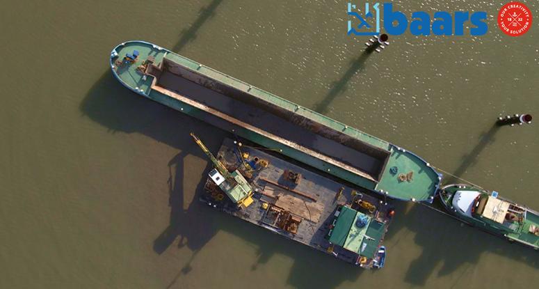 Hopper barge for dredging Baars